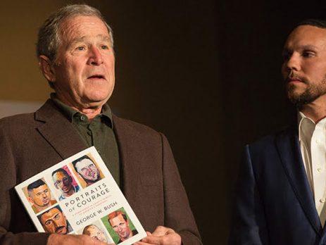 Cựu Tổng thống Mỹ George W. Bush giới thiệu về một số bức chân dung